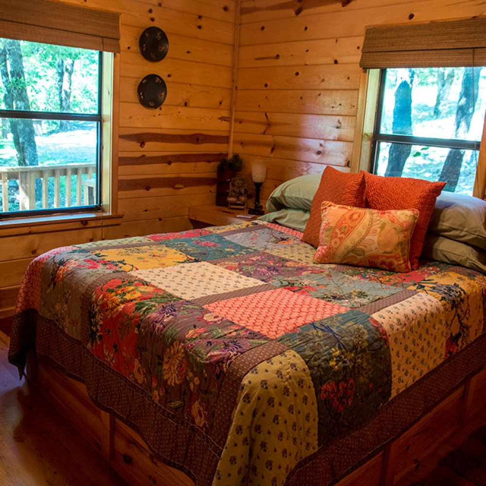 Sunset Cabin at Peckerwood Knob Cabins in Oklahoma